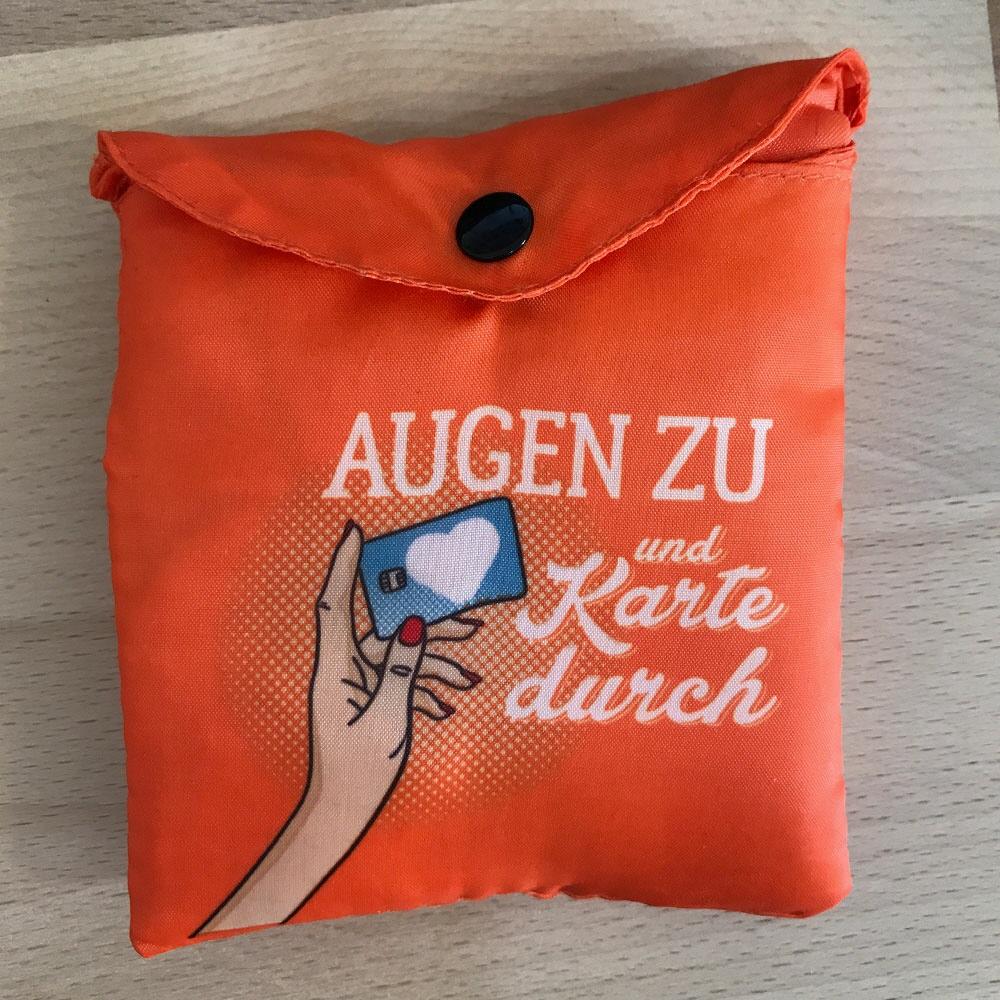 b2617e3e4d18d Stylische Tasche-to-Go mit schickem Druck